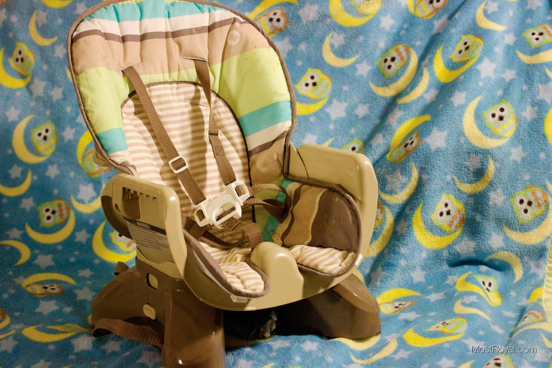 5-Point Harnessed High Chair! [VIDEO]