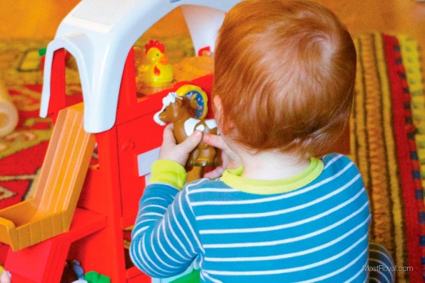 Fisher-Price-Little-People-Fun-Sounds-Farm3